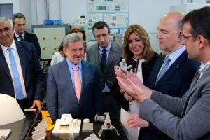 El Comisario de Asuntos Económicos de la UE visita CATEC