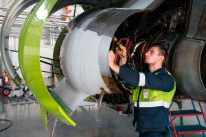 airBaltic contratará a 50 técnicos de mantenimiento en 2019