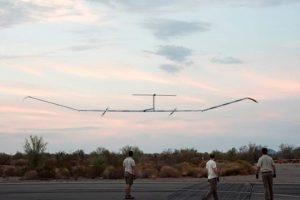 El Zephyr S vuela durante más tiempo que cualquier otro avión en su vuelo inaugural